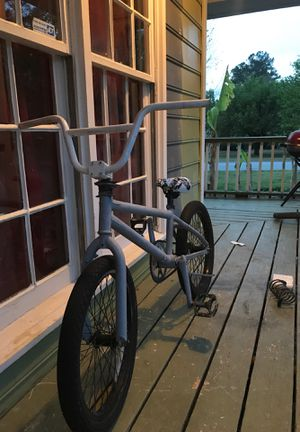 Bmx bike with 4 pegs and a chain lock for Sale in Marietta, GA