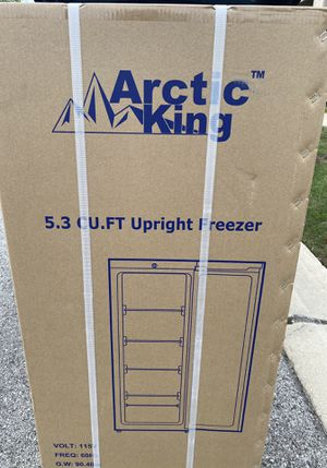 5.3 cu foot upright deep freezer for Sale in Brownstown Charter Township, MI
