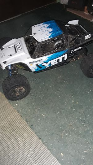 Axial yeti not brushless and not xl for Sale in Newtown, CT