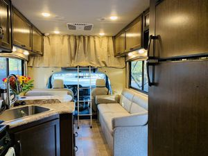 Chateau Thor 2018 class C Motorhome for Sale in Fort Lauderdale, FL