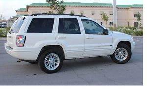 Strong 2004 Jeep Grand Cherokee AWDWheels Clean for Sale in Washington, DC