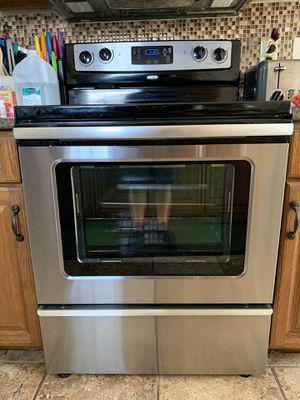 Whirlpool Electric Range - Stainless Steel for Sale in Greensburg, PA