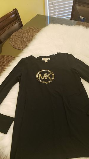 Michael Kors top size m for Sale in East Compton, CA