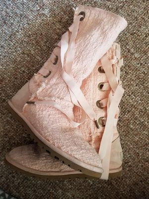 Baby Pink Ugg boots size 6 for Sale in Pittsburgh, PA