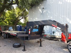 2012 utility dovetail gooseneck trailer for Sale in Austin, TX