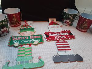 6 piece Christmas Holiday decor bundle for Sale in Ocala, FL
