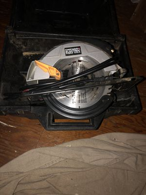 "Chicago electric power tool 7"" circular saw. for Sale in Columbus, OH"