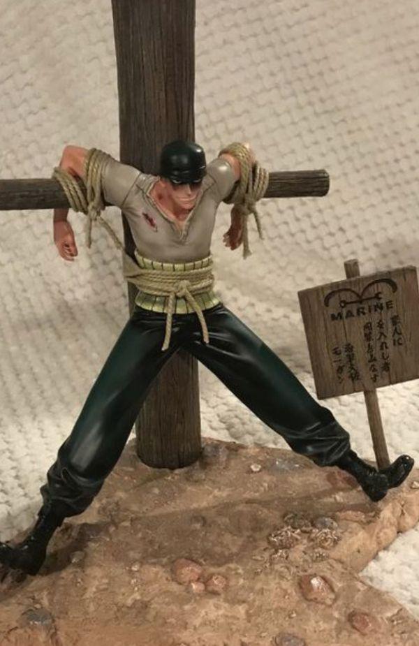 One Piece Anime figure statue (Zoro)