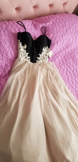 Prom or occasion dress for Sale in Laveen Village, AZ