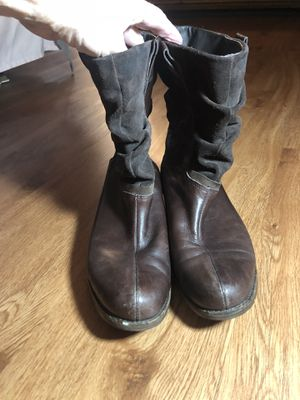 Woman's leather booties size 10 for Sale in Fort Worth, TX