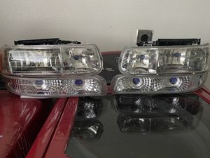 99-02 Silverado clear headlights for Sale in Houston, TX