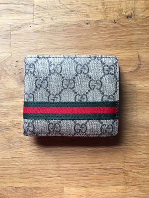 Gucci wallet for Sale in Bethesda, MD
