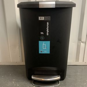 Sleek Tall Kitchen Trash Can for Sale in Washington, DC