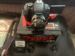 Canon T3i dslr Camera. With Charger 3 batteries and 50mm lens for Sale in Laurel, MD
