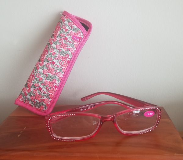 Women's +2.50 Reading Glasses With Case