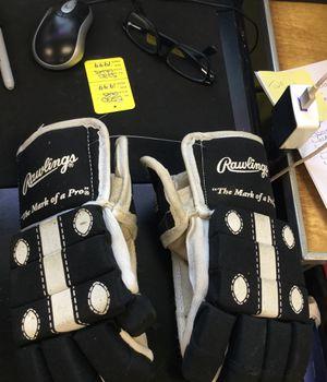 Rawlings Glove for Sale in Matawan, NJ