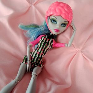 Monster high doll barbie toy for Sale in City of Industry, CA