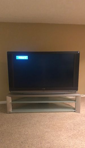 Sony TV with stand for Sale in Columbus, OH