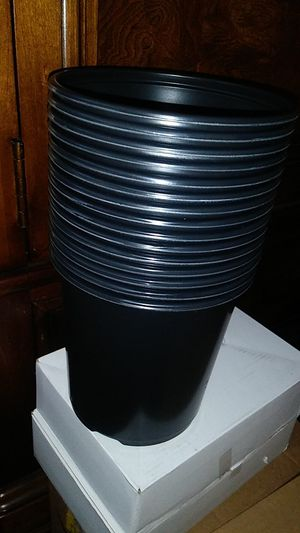 Lot 50pcs 1gallon plant plastic pot for Sale in Richmond, CA