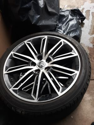 """2019 toyota Avalon 19"""" oem wheels for Sale in The Bronx, NY"""