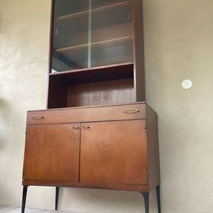 Mid Century Modern Credenza | Hutch | China Cabinet | Buffet by Heywood Wakefield 1960s for Sale in Pompano Beach, FL