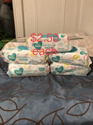 Pampers sensitive wipes 72 counts for Sale in The Bronx, NY