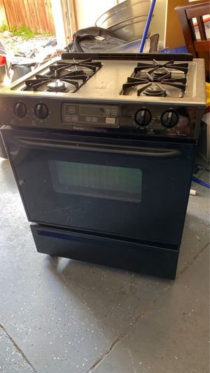 Gas oven used for Sale in Victorville, CA