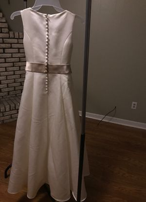 NWT Ivory / Tan Flower Girl Dress Gown Size 10 for Sale in Graham, NC