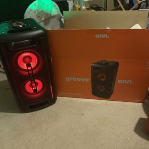 Omn Bluetooth Speaker for Sale in Columbia, MO