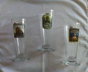 Pilsner 16 oz BJs brewhouse beer glasses for Sale in Las Vegas, NV