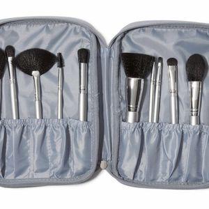Elf Makeup Brush Set for Sale in El Monte, CA