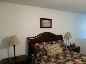 5 piece bedroom set for Sale in Broken Arrow, OK