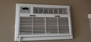 Arctic King 12,000Btu Through the Wall Air Conditioner, Cool and Heat, White for Sale in Orlando, FL