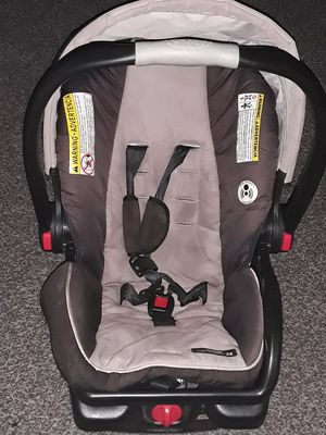 Infant car seat excellent used condition for Sale in Roseville, MI