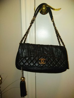 Chanel shoulder bag for Sale in Palatine, IL