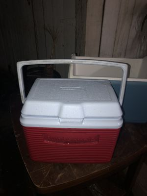 Rubbermaid Cooler, for Sale in Rancho Cucamonga, CA