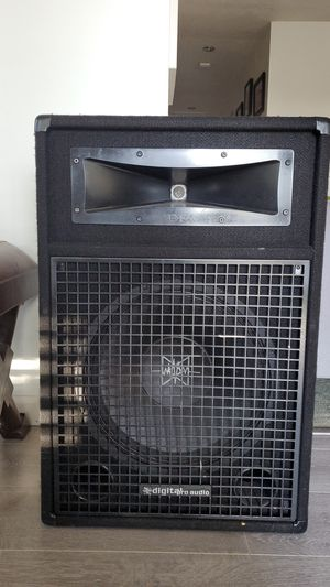 Digital Pro Audio 15in live sound subwoofer and case- willing to trade for pair of studio monitors for Sale in Vallejo, CA