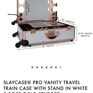 Brand NEW Slaycase vanity Travel Train Case for Sale in Los Angeles, CA