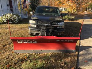 2004 Chevy Silverado z71 with boss plow for Sale in Wethersfield, CT