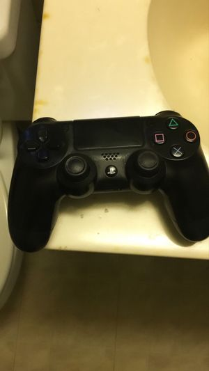 PS4 controller for Sale in Mount Rainier, MD
