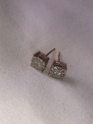 14KT Rose Gold Diamond Earrings for Sale in Sandy Valley, NV