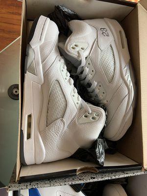 Jordan Retro 5 Metallic White for Sale in Long Beach, CA