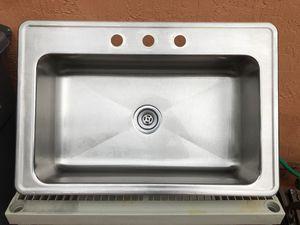 Kitchen sink for Sale in Miami, FL