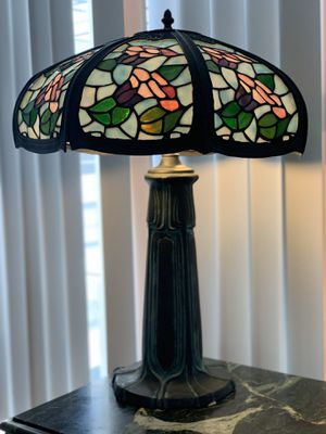 Gorgeous antique vintage Tiffany table lamp beautiful shade for Sale in Hollywood, FL