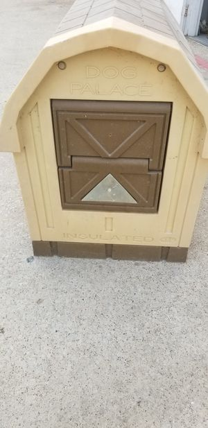 Dog house insulated for Sale in Dallas, TX
