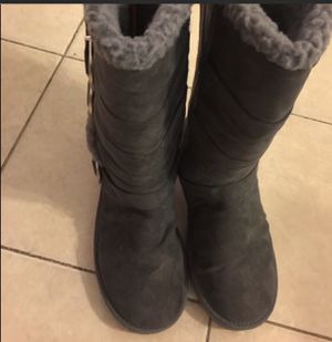 🔥HOT DEAL🔥 Canadian brand women's winter boots size 8 are warm & toasty for Sale in St. Louis, MO