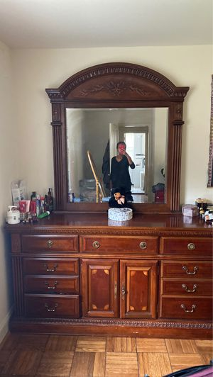 Dressing Table with a mirror for Sale in Arlington, VA