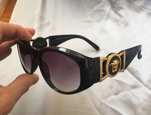 Unisex Versace Celebrity Sunglasses ! Iconic piece . New condition / no trades for Sale in Aspen Hill, MD