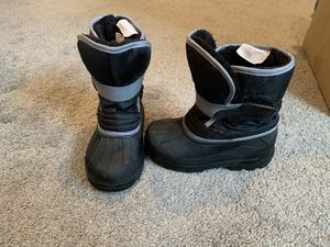 Fur lined kids snow boots 9/10 for Sale in Lake Elsinore, CA