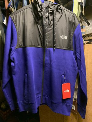 Men's North face Medium Jacket with Hoodie New with tags we for Sale in Portland, OR